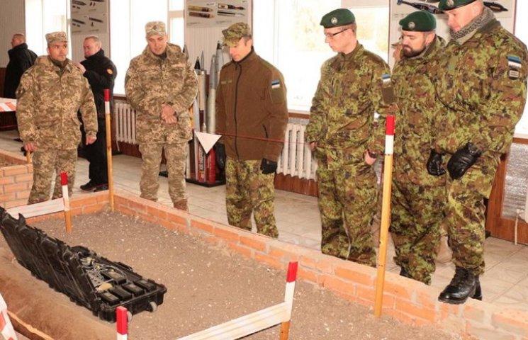 Естонські сапери переймали досвід роботи українських колег в Кам
