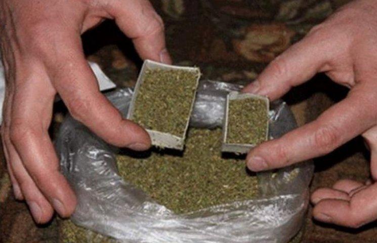 23-річний житель Вінниччини зберігав удома понад 10 кг наркотиків