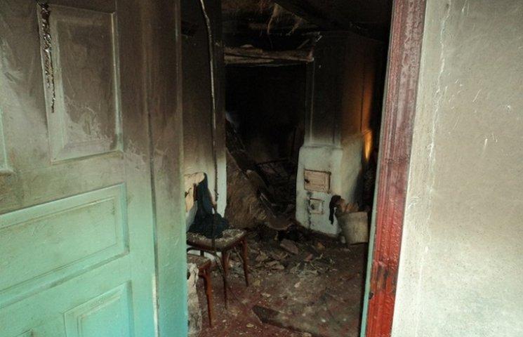 Під час пожежі у власному будинку загинула 93-річна жителька Вінниччини