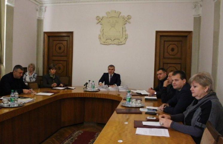 У Миколаєві приберуть майже 80 незаконних рекламних конструкцій