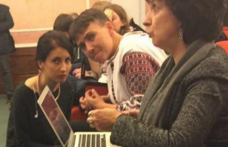 Савченко вирішила подражнити Москву вишиванкою (ФОТО, ВІДЕО)