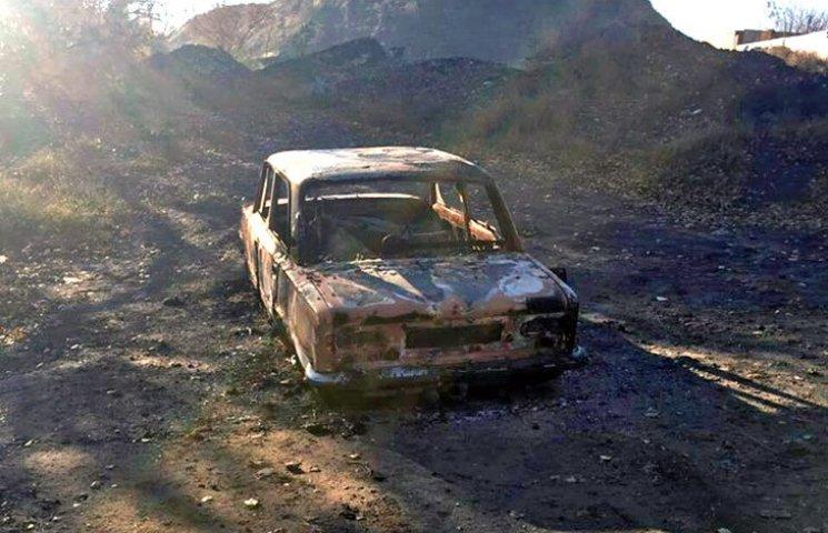 Патрульні знайшли згоріле авто
