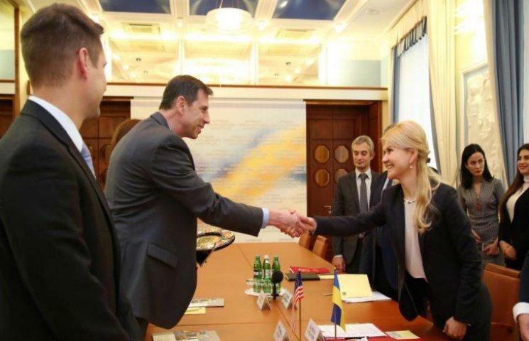 Председатель Харьковской ОГА Светличная провела встречу с делегацией США