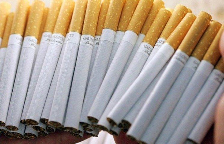 На Вінниччині затримали хмельничанина, який віз контрабандні цигарки