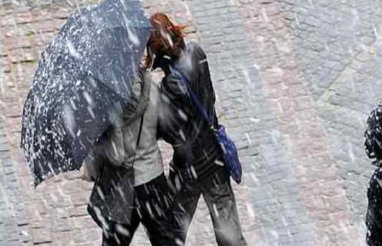Зранку до середини дня у Хмельницькому йтиме дрібний дощ