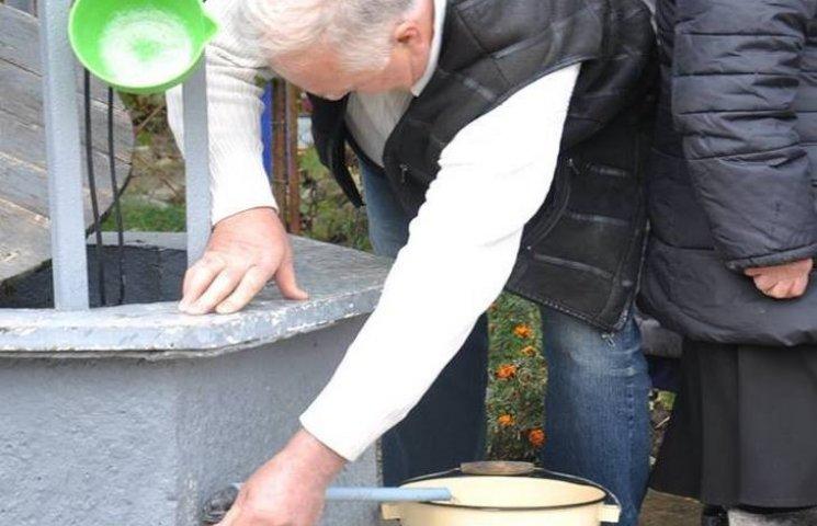 Жителі села Оринін отримали новий водогін