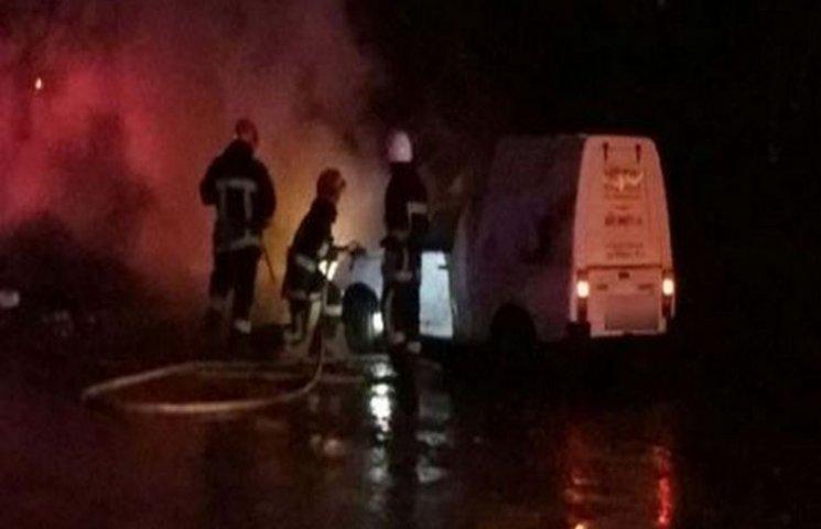 У Хмельницькому вночі згоріло авто