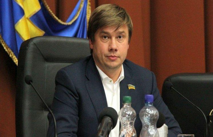 Председатель Полтавского облсовета Беленький задекларировал дорогие машины, кирпичный завод и экскаватор