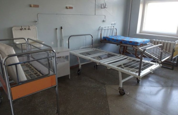 Радянські ліжка і обідрані стіни: В яких умовах лікують дітей на Полтавщині