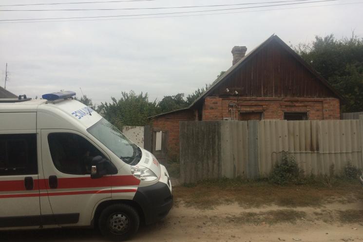 ГосЧС: Под Харьковом пламенеют три квартиры девятиэтажки, пострадал спасатель