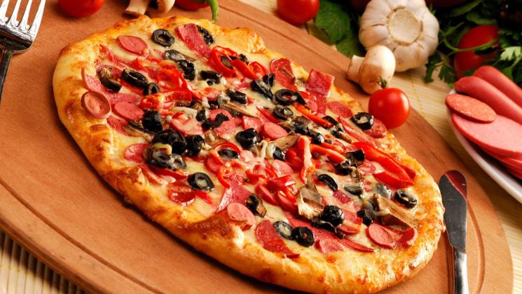 Історія на тарілці: Як українці шаленіють від піци — превью