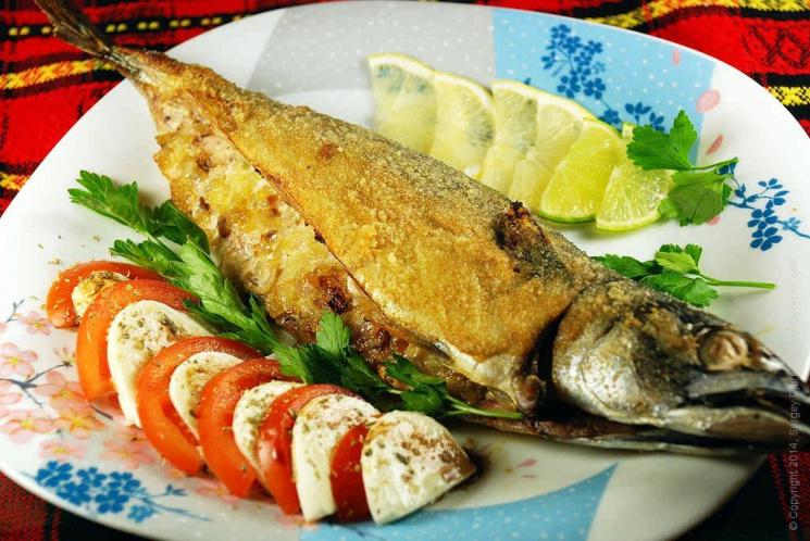 Массовое отравление воЛьвове: торговку рыбой посадили под домашний арест