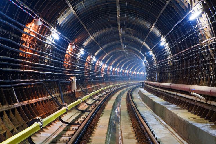 Харківська підземка віддала ще майже 4 млн грн фірмі із сумнівними зв'язками