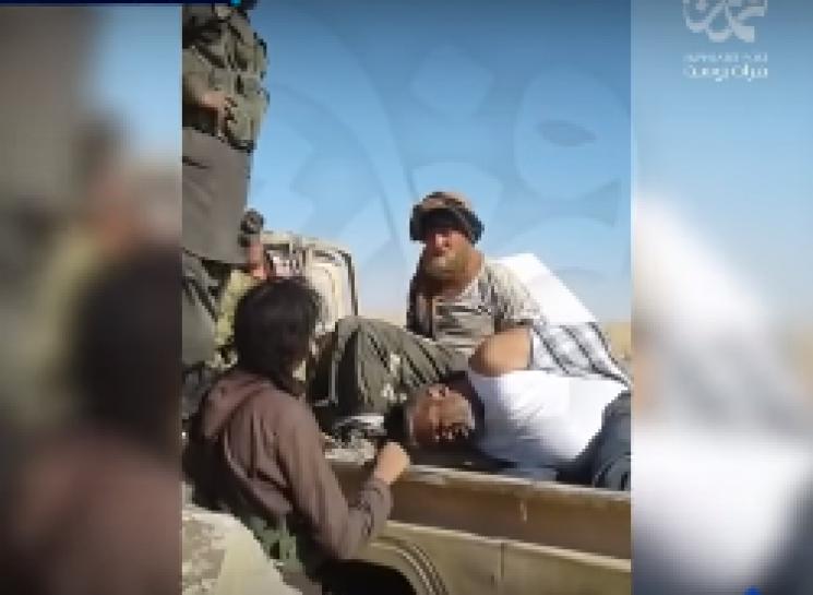 З'явилося відео захоплення вполон бойовиками ІДІЛ двох росіян
