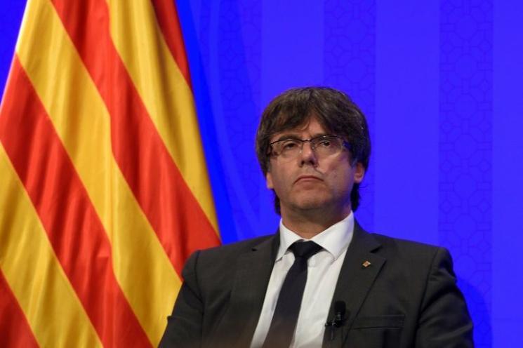 Іспанський прем'єр вимагає, щоб Пучдемон чітко сказав, чипроголошує він незалежність Каталонії