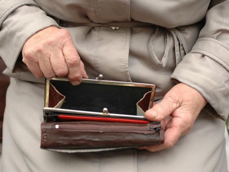 На Сумщині розшукують шахрайок, які виманювали гроші у пенсіонерок