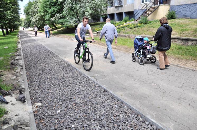 Як у європейському Львові виглядає велодоріжка на той світ (ФОТО)