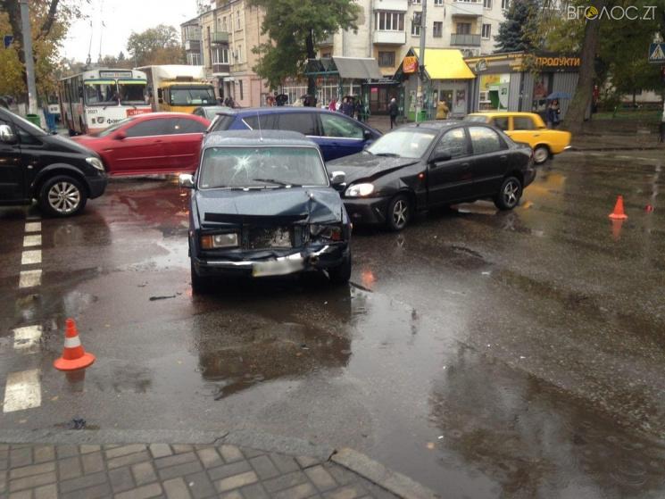 У Житомирі в ДТП постраждали жінка й дитина