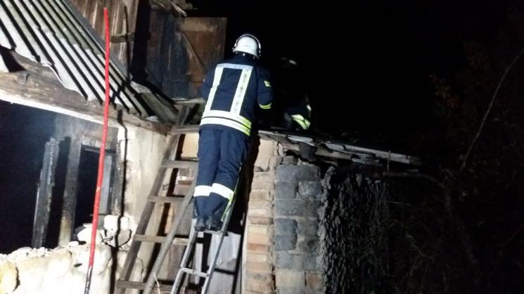 На Запоріжжі в палаючому будинку загинули двоє людей