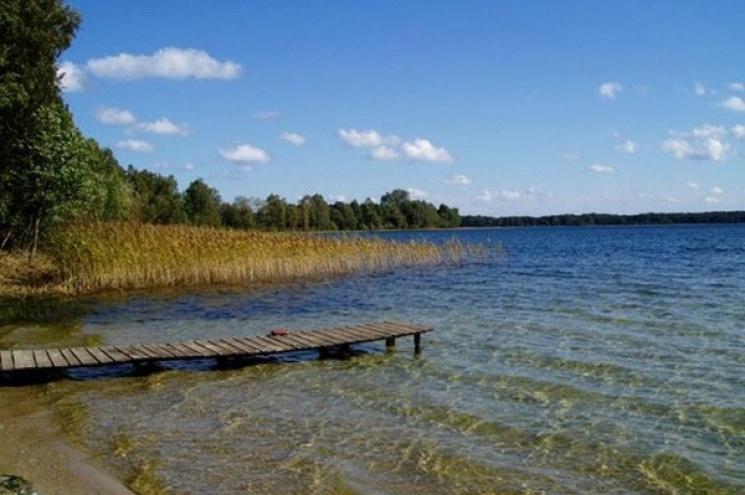 Хмельницька облдержадміністрація  незаконно віддала в оренду майже сотню гектарів земель з водою