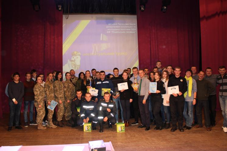 """У вінницькому турнірі """"Сила нескорених"""" перемогли рятувальники"""