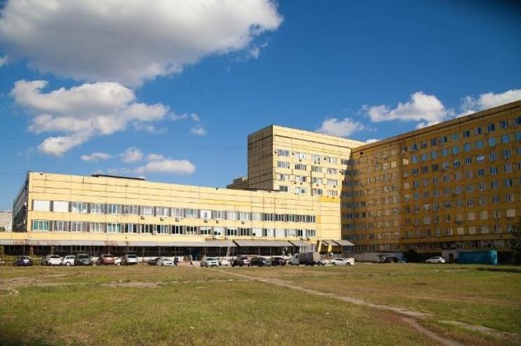 Дві величезні лікарні Дніпра переходять на опалення соняшниковими пелетами