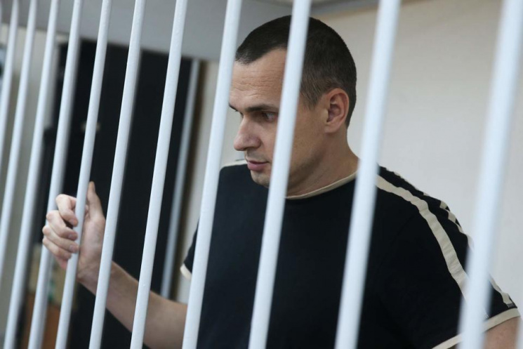Гончарова: Олега Сенцова ймовірно доправили в«червону» колонію