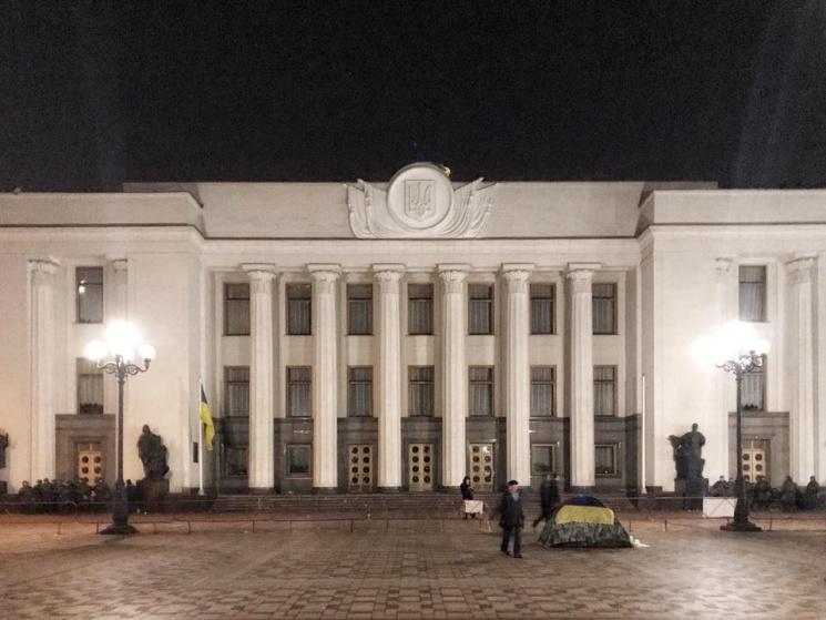 Урядовий квартал у Києві спорожнів, поліція чатує лише біля наметового містечка (ФОТО)