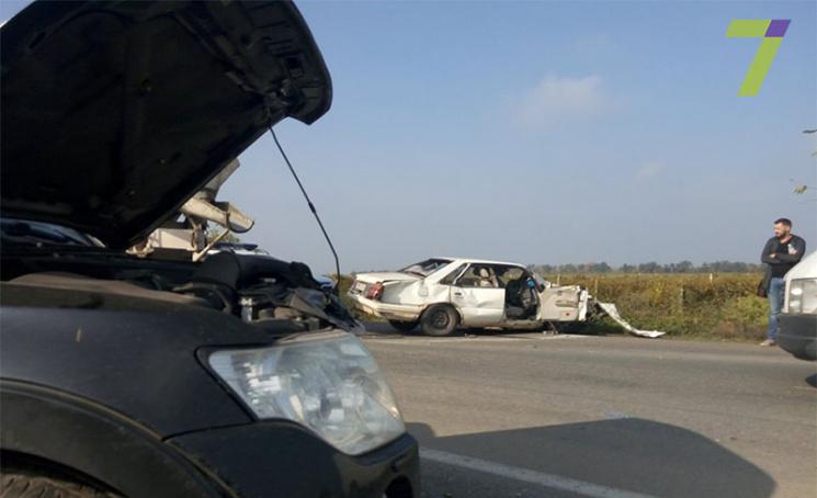 ДТП наОдещині: від удару водій вилетів через лобове скло