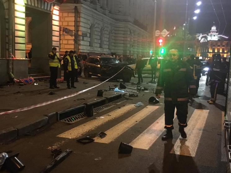Поліція розповіла деталі кривавої ДТП у центрі Харкова (ФОТО 18+)
