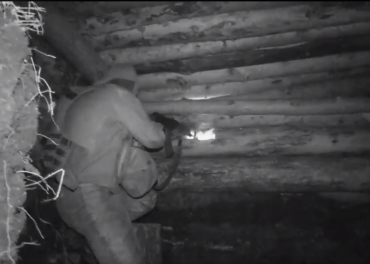 Міноборони показало, як вночі бійці відповіли вогнем окупантам під Авдіївкою (ВІДЕО)