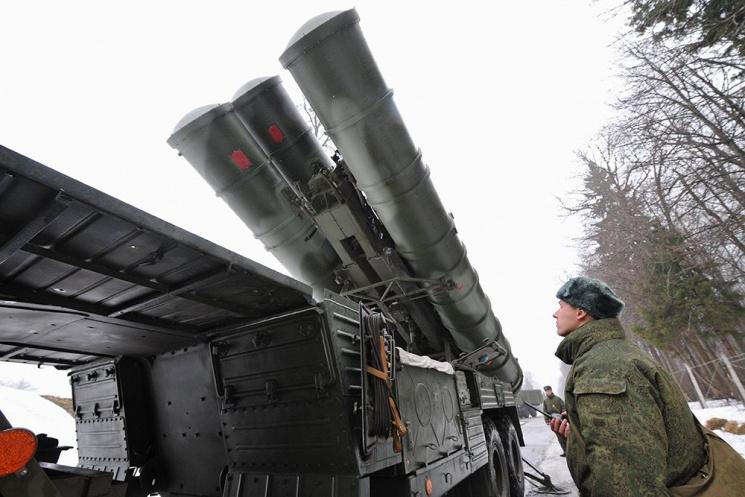 РФ перебросила вСевастополь зенитные комплексы С-400 для «прикрытия неба»