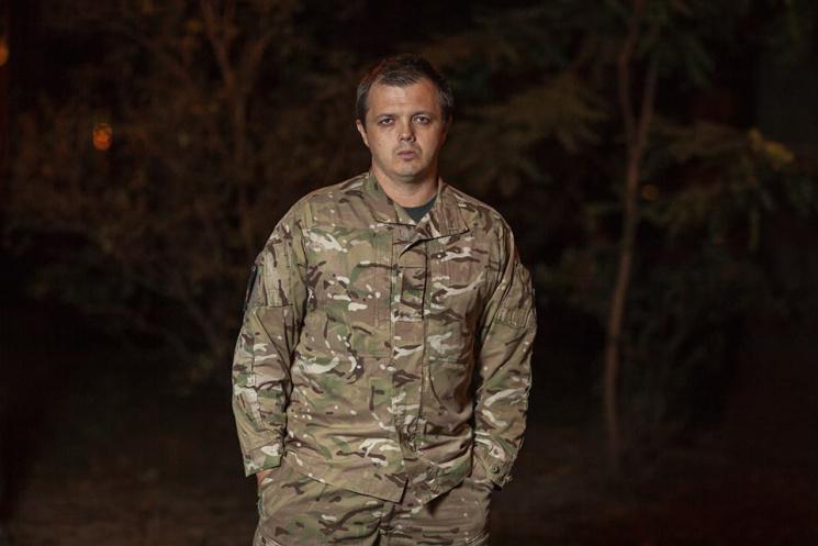 Блокада Roshen: Зачем спонсорам Семенченко конфеты Порошенко