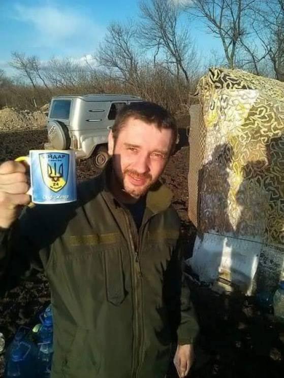 """На Донбасі від кулі снайпера загинув боєць батальйону """"Айдар"""" (ФОТО)"""
