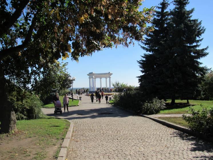 Прогулянка осіннім містом: Як виглядає красуня-Полтава у новому вбранні (ФОТО)