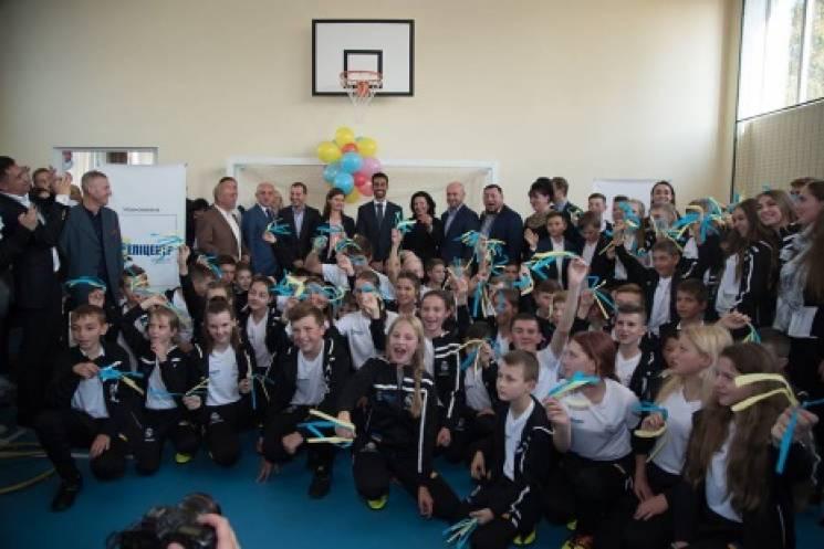 Перша в Україні соціально-спортивна школа Фонду Реал Мадрид відкрилася у Тернополі