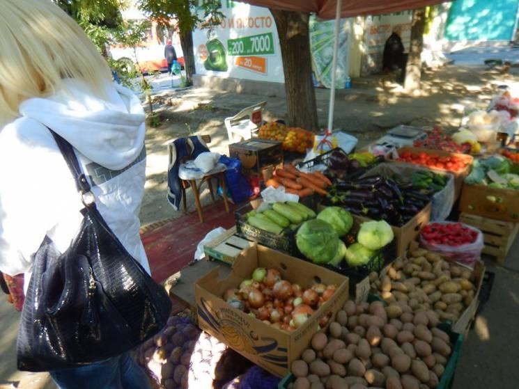 У Миколаєві виявили нових порушників серед торговців овочами (ФОТО)