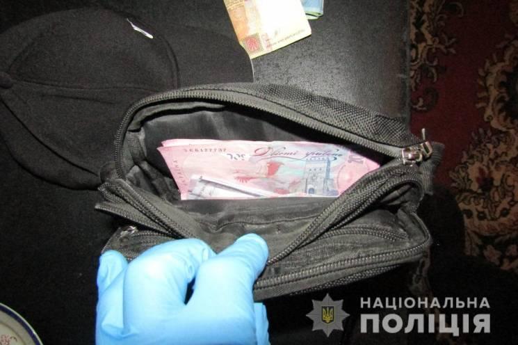Рецидивіст украв у вінничанки майже півмільйона (ФОТО)