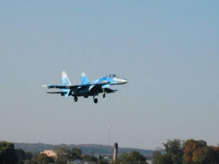 День третій: Пілоти НАТО й ЗСУ в небі на Хмельниччині працюють у взаємодії (ФОТО, ВІДЕО)