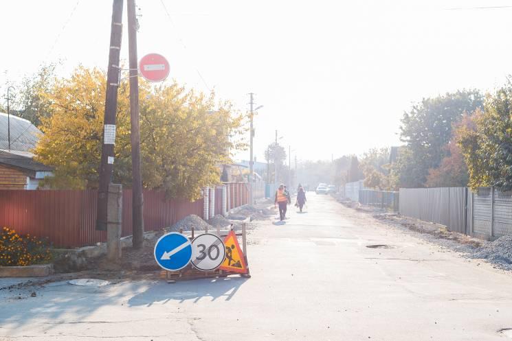 У Вінниці взялися за асфальтування тротуарів у провулках (ФОТО)