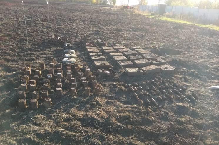 На Чугуївщині з приватного подвір'я вивезли дві сотні боєприпасів (ФОТО)