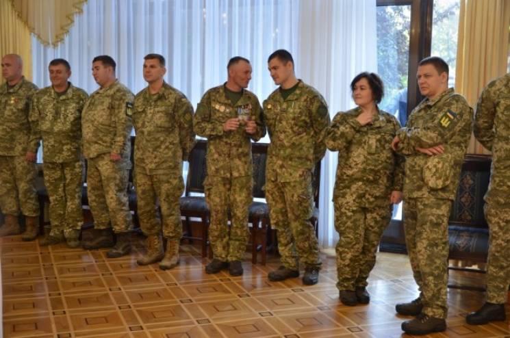 В Одесі з нагоди свята нагородили військовослужбовців