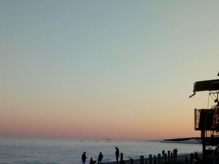 Бабине літо на одеських пляжах: Майже спокійне море та тихий відпочинок (ФОТО)