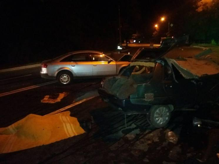 У Запоріжжі в моторошній ДТП загинув таксист (ФОТО)