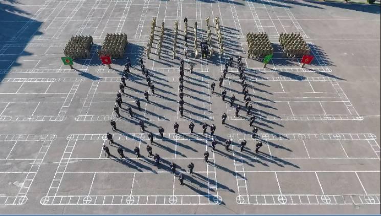Захоплюючий флешмоб до Дня захисника провели у Хмельницькому курсанти-прикордонники (ВІДЕО)