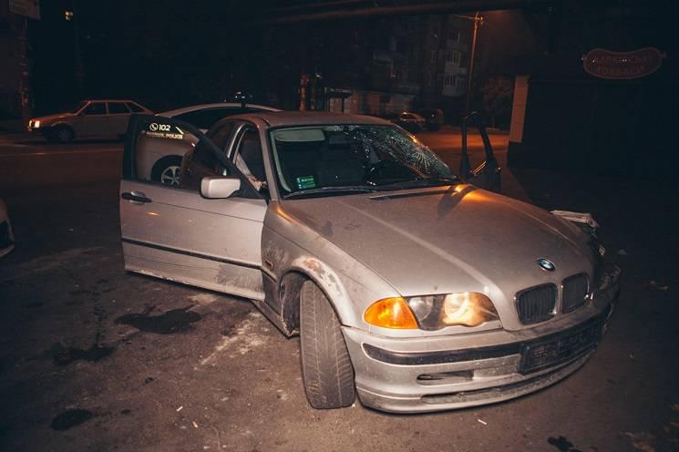 У центрі Дніпра водій мчав по зустрічній смузі і збив людину на тротуарі (ФОТО)