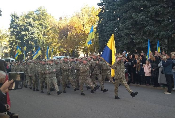 У центрі Дніпра відбувся марш АТОвців (ФОТО)