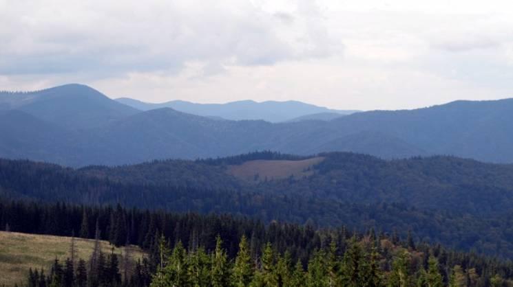 Чим полонина Німецька у Карпатах заманює мандрівників восени (ФОТО)