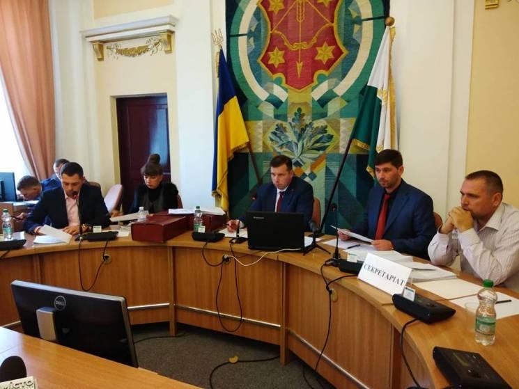 Полтавська міськрада заборонила побори у школах та дитсадках (ВІДЕО)