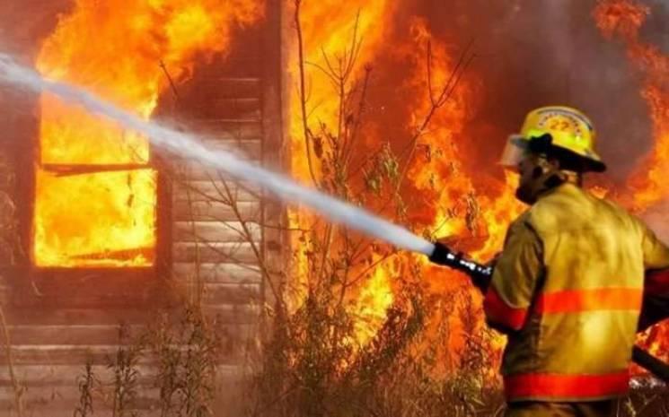 На Київщині пожежа у будинку забрала життя трьох людей